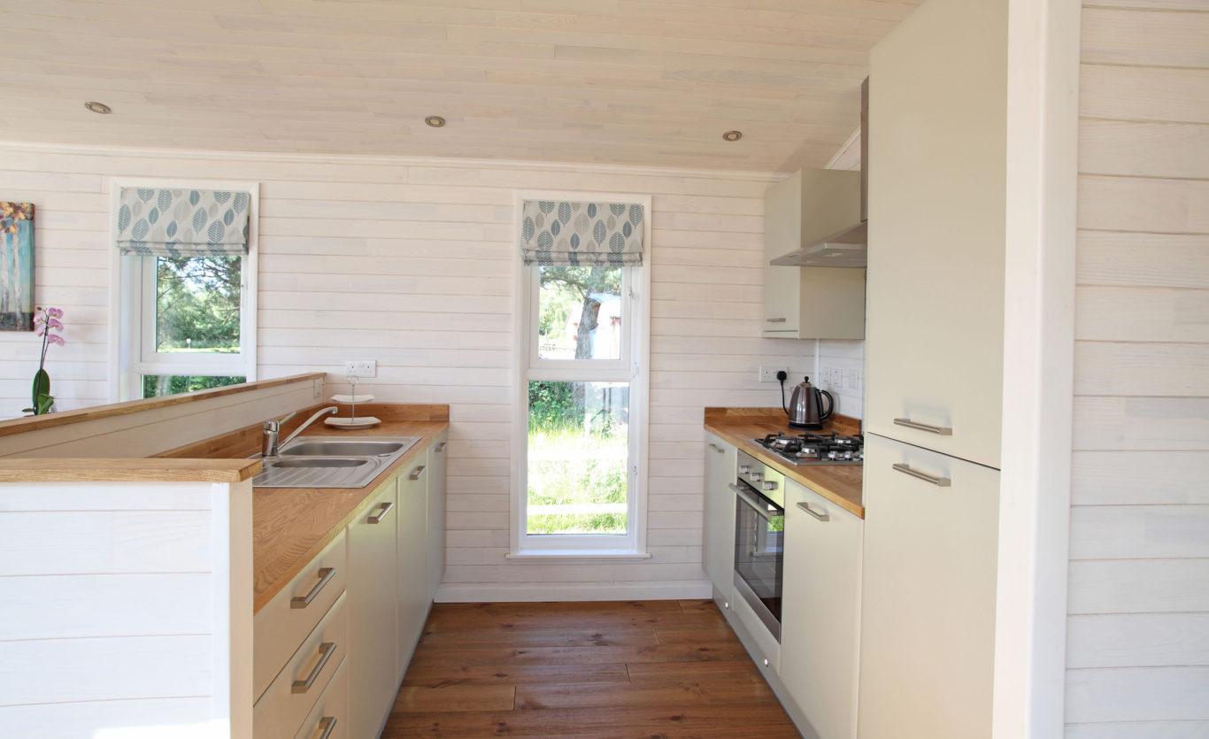 The Skyline Timber Lodge — Kitchen